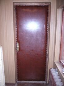 обивка дверей. Установка межкомнатных дверей дверей